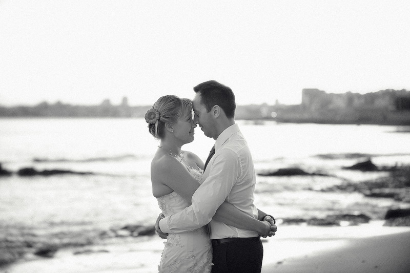 37-Foto-de-Sonho-Helio-Cristovao-fotografia-Casamento-fotojornalismo-Black-White-Photography-Lisbon-Sea-beach-Destination-Wedding-Villa-Sao-Paulo-Estoril-Portugal