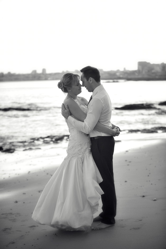 39-Foto-de-Sonho-Helio-Cristovao-fotografia-Casamento-fotojornalismo-Black-White-Photography-Lisbon-Sea-beach-Destination-Wedding-Villa-Sao-Paulo-Estoril-Portugal