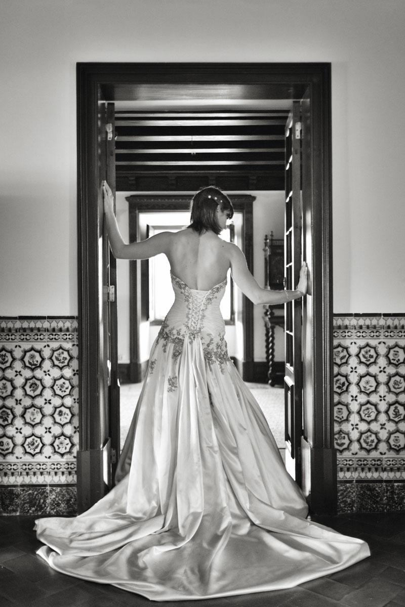 Foto-de-Sonho-Helio-Cristovao-Noiva-detalhe-vestido-Quinta-do-Pe-da-Serra