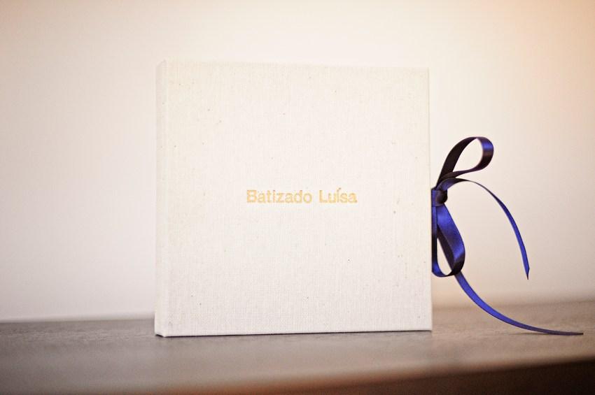 Caixa CD DVD Artesanal Linho gravação nome Dourado feito à mão Silvia Pontes Atelier