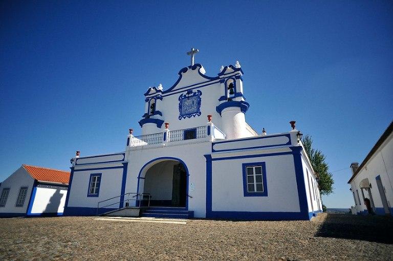 01 Casamento no Alentejo na igreja de Montemor e fotos de noivos no Castelo